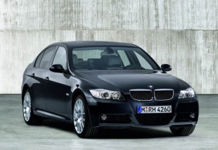 GROUP F - BMW 320i